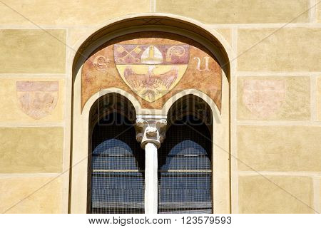 Tradate Varese  Abstract  Window Monument   I  Yellow