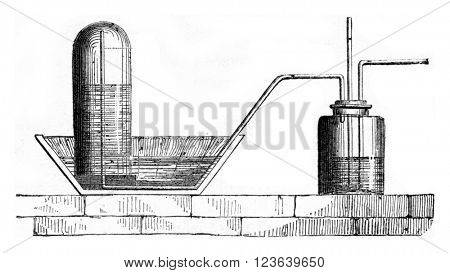 An apparatus for collecting the chlorine in the water, vintage engraved illustration. Magasin Pittoresque 1857.