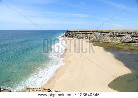 Praia do giraul, no desrto do Namibe em Angola