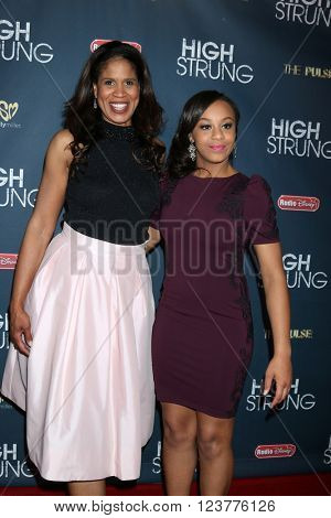 LOS ANGELES - MAR 29:  Nia Sioux, and her mother on left at the High Strung Premeire at the TCL Chinese 6 Theaters on March 29, 2016 in Los Angeles, CA