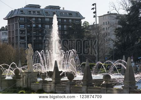 Milan (Lombardy Italy): Citylife modern residential buildings and historic fountain