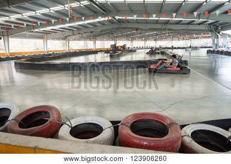 People Drive Indoor Drifter Go-cart