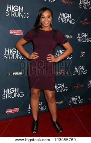 LOS ANGELES - MAR 29:  Nia Sioux at the High Strung premiere at the TCL Chinese 6 Theaters on March 29, 2016 in Los Angeles, CA