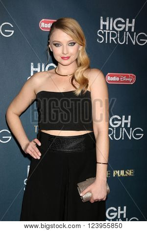 LOS ANGELES - MAR 29:  Elisabeth Harnois at the High Strung premiere at the TCL Chinese 6 Theaters on March 29, 2016 in Los Angeles, CA