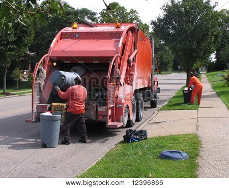 dustmen at work