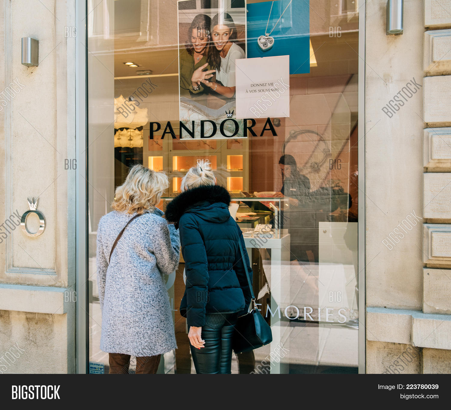 boutique pandora paris france