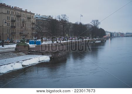 View from the Bolshaya Neva on the Admiralty Embankment.