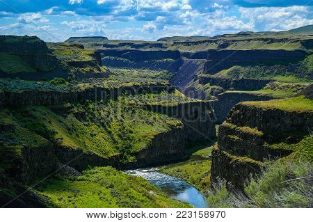 Palouse River - Palouse Falls State Park, Central Washington