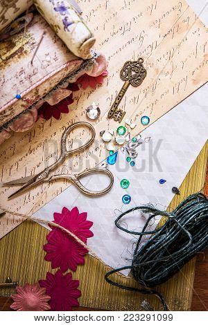 Tools, decorations and accessories, for scrapbooking handmade