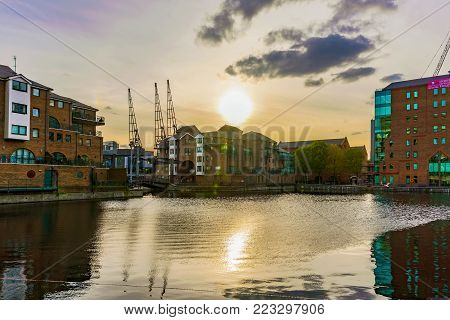 LONDON, UNITED KINGDOM - OCTOBER 07: Architecture in the Canary Wharf financial district during sunset on October 07, 2017 in London