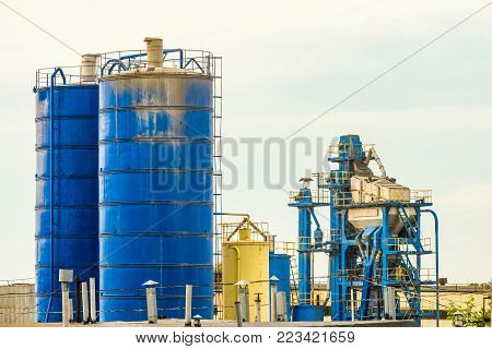 Tanks for storage and supply of mineral powder, mixing unit (aggregate)