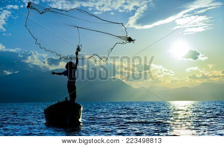 Fishing Activities And Labor Worker & Fisherman ;rural Fishery Profession