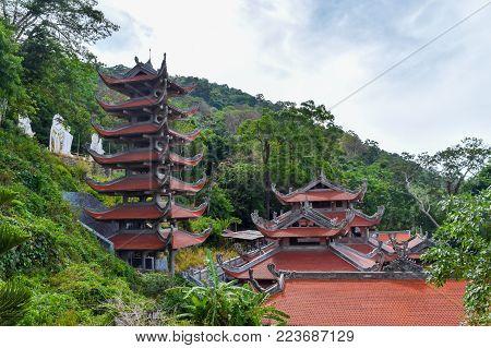 Ta Cu Mountain, Phan Thiet, Linh Son Truong Tho Pagoda temples in Vietnam