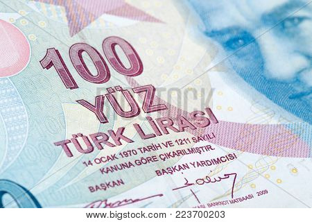 Turkish paper currency one hundred Lira close up.