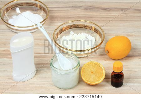 Antibacterial  and natural homemade deodorant. Made from coconut oil, sodium bicarbonate, starch and  essential oil from lemon poster