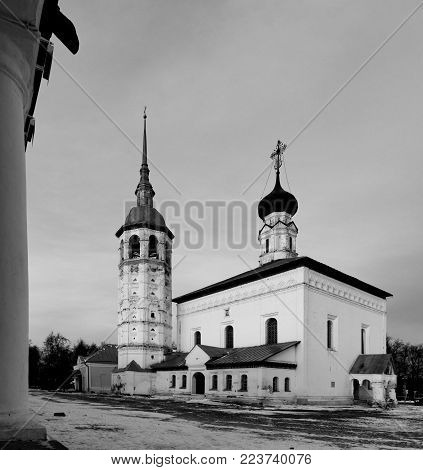 Resurrection Church On The Market Square In Suzdal.