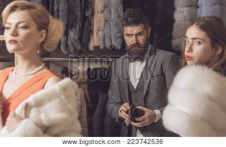 Purchase, Business, Moneybags. Date, Family, Love, Man, Women. Women In Fur Coat With Man, Shopping,