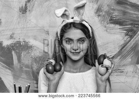 Happy Easter Girl In Bunny Ears With Eggs, Pencil Set