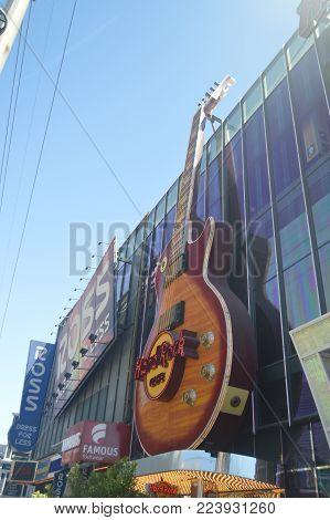 Hard Rock Guitar On The Las Vegas Strip June 26, 2017. Travel Holydays. Las Vegas Strip, Las Vegas Nevada USA EEUU.