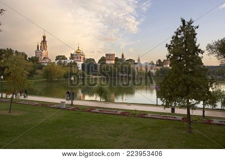 NOVODEVICHY CONVENT AND ASSUMPTION CHURCH, MOSCOW, RUSSIA