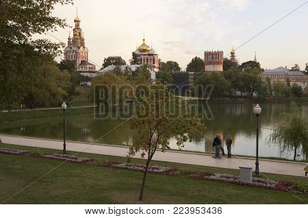 NOVODEVICHY CONVENT AND ASSUMPTION CHURCH MOSCOW, RUSSIA