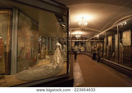 MOSCOW, RUSSIA: GOWNS AND TAPESTRIES ON DISPLAY IN KREMLIN MUSEUM, 30TH SEPTEMBER 2005, MOSCOW, RUSSIA
