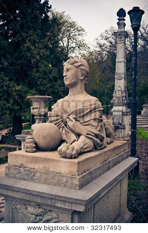 Sphinx-woman