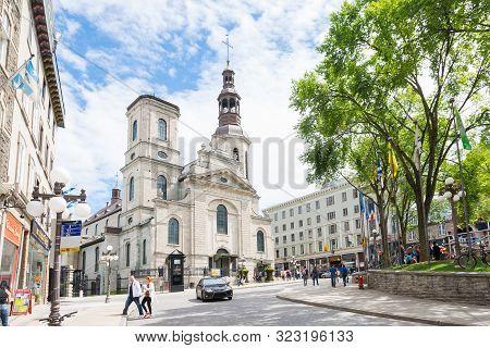 Quebec City, Canada - August 6, 2015:strolling In  Quebec City Near The Church Of Notre Dame De Queb