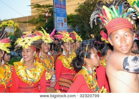cheerful-street-dancers