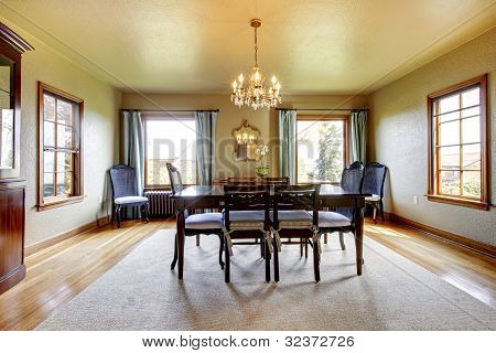 Large Luxury Elegant Dining Room With Four Windows.