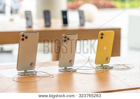 Aventura, Florida, Usa - September 20, 2019: The Iphone 11, 11 Pro And Pro Max Are Displayed As The