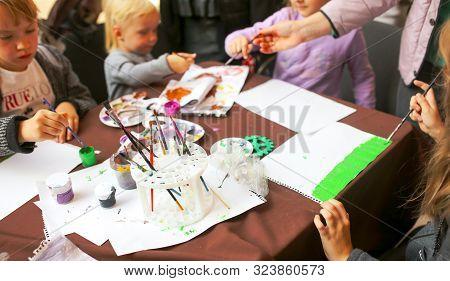 Lipetsk, Russia - September 21, 2019: Gastronomic Festival. Children Draw And Learn Mastery.
