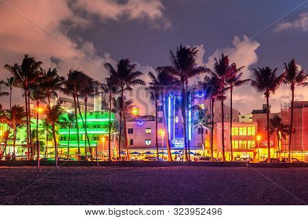 Miami Beach, Usa - September 10, 2019: Ocean Drive Miami Beach At Sunset. City Skyline With Palm Tre