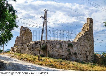 Street View Onto Tower Of Giovanni Di Scaffa, Feodosia, Crimea. Total Diameter About 32 M (106 Ft).