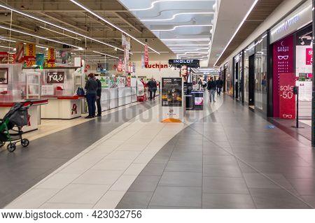 Zabrze. Poland 8 Maj 2021. Shopping Supermarket In Platan City Center Zabrze. Interior Of Retail Cen