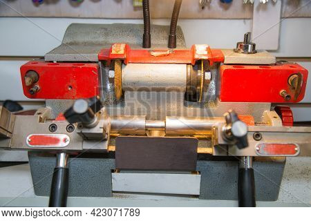 The Machine Is Electric For The Production Of Various Shapes Of Keys With A Metal Cutter. Technologi