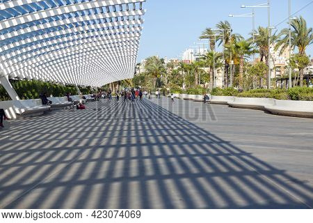 05-10-2021. Torrevieja, Alicante, Spain. The Paseo Vista Alegre Is Located Next To The Nautical Club