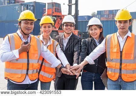 Asian People Group Of Multi Mix Race Worker With Supervisor  Holding Hand To Cheer Up And Encourage
