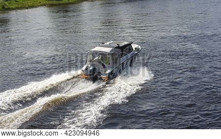 Speedboat Rides On The Lake, Speedboat Rides On The River, Boat Trips, Boat Fishing