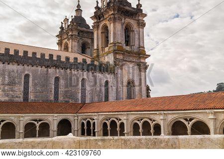 Alcobasa, Portugal- November 17 2014: The Cloister Of Catholic Monastery Of Alcobasa, Portugal