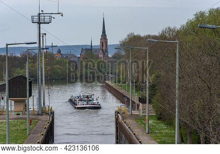 Frankfurt Am Main, Germany-april 03, 2018: Cargo Ship At The Exit From The Lock Frankfurt-griesheim,
