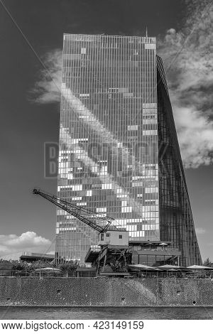 Old Harbor Crane In Front Of The Building Of The European Central Bank, Frankfurt, Germany