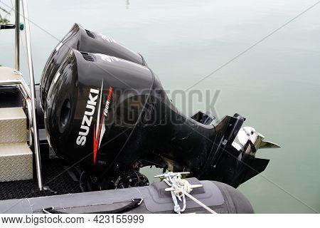 Bordeaux , Aquitaine France - 06 06 2021 : Suzuki Logo Sign Brand Outboard Motor Marine Engine Boat