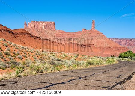 Scenic Drive Through Castle Valley - Utah, Usa