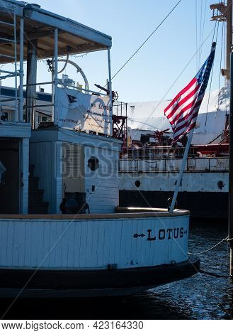 Seattle, Usa - October 4, 2018: Historic Mv Lotus Docked At Lake Union Park