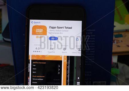 New York, Usa - 1 June 2021: Ziggo Sport Totaal Mobile App Logo On Phone Screen, Close-up Icon, Illu