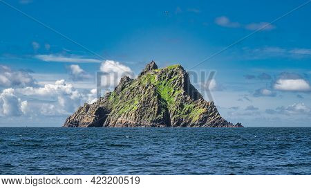 Beautiful Rock Of Skellig Michael Island With Monks Hermitage On The Top, Where Star Wars Were Filme