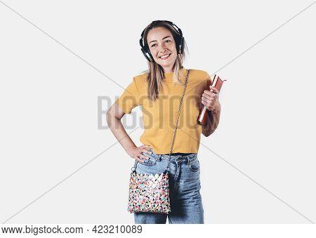Beautiful woman portrait. Beauty Woman face Portrait. Beautiful model woman portrait. Woman smiling portrait on white background. Beautiful woman smiling. Woman portrait on white. Woman face. Woman portrait looking at camera.