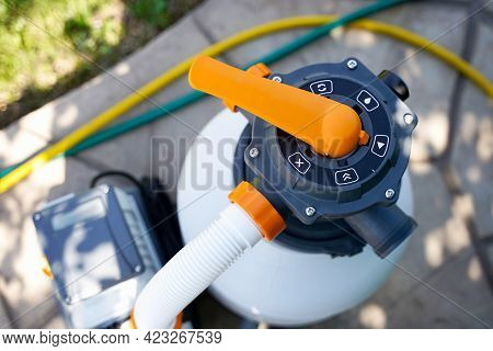 Clear The Sand Filter Of The Pool. Service And Maintenance Of The Swimming Pool. Washing Of Filter T