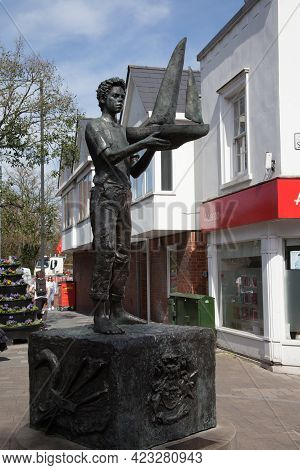 The Boy And The Boat Statue In Maidenhead, Berkshire In The Uk, Taken On The 30th March 2021